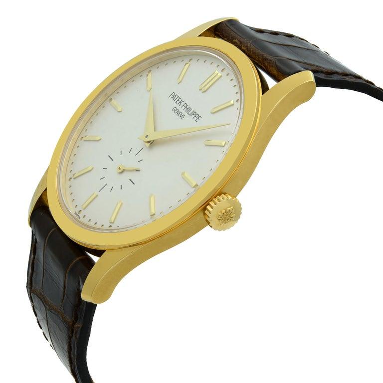 Patek Philippe Calatrava 18K Gold Silver Dial Hand-Wind Men's Watch 5196J-001 For Sale 1