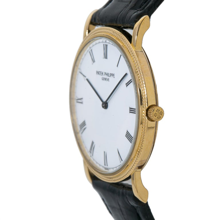 Modern Patek Philippe Calatrava 3520 Manual Vintage 18 Karat Gold Leather White Dial For Sale