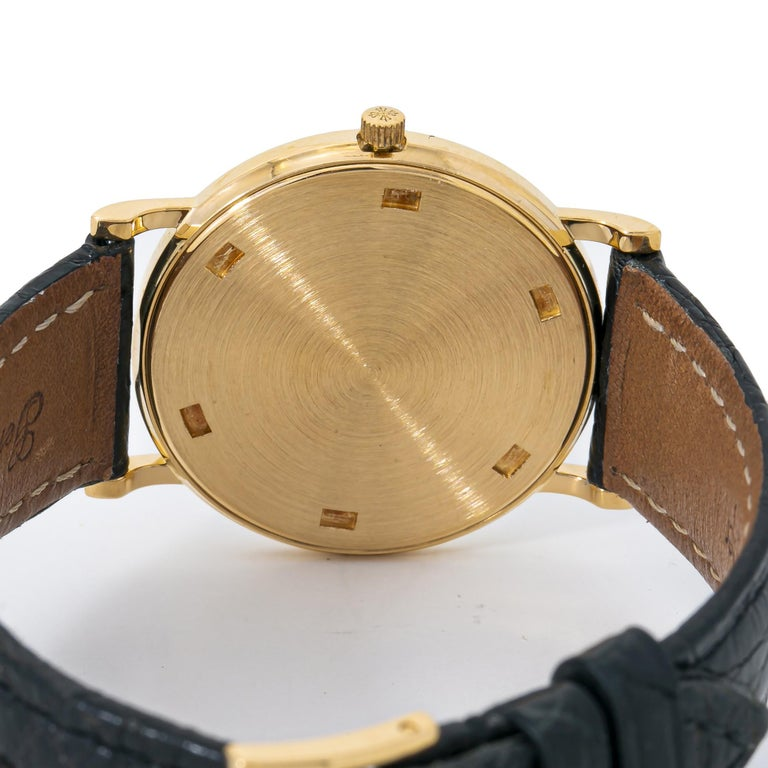 Patek Philippe Calatrava 3520 Manual Vintage 18 Karat Gold Leather White Dial In Excellent Condition For Sale In Miami, FL