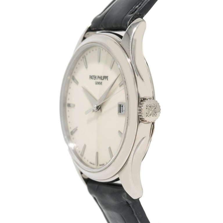 Patek Philippe Calatrava 5227G, Off-White Dial, Certified In Excellent Condition For Sale In Miami, FL