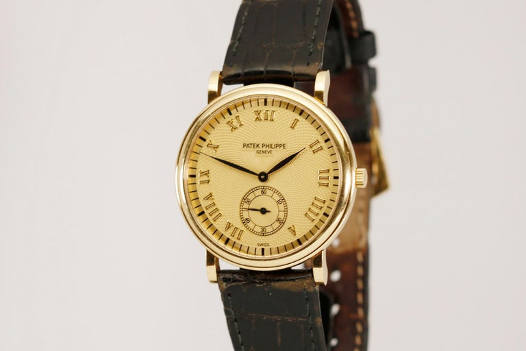 Patek Philippe Calatrava Ref 5022J-001 18 Karat Yellow Gold, Modern For Sale 3