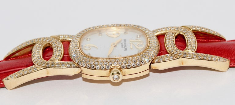 Patek Philippe Golden Ellipse Ladies Wristwatch, with MOP and Diamonds 18K Gold For Sale 4