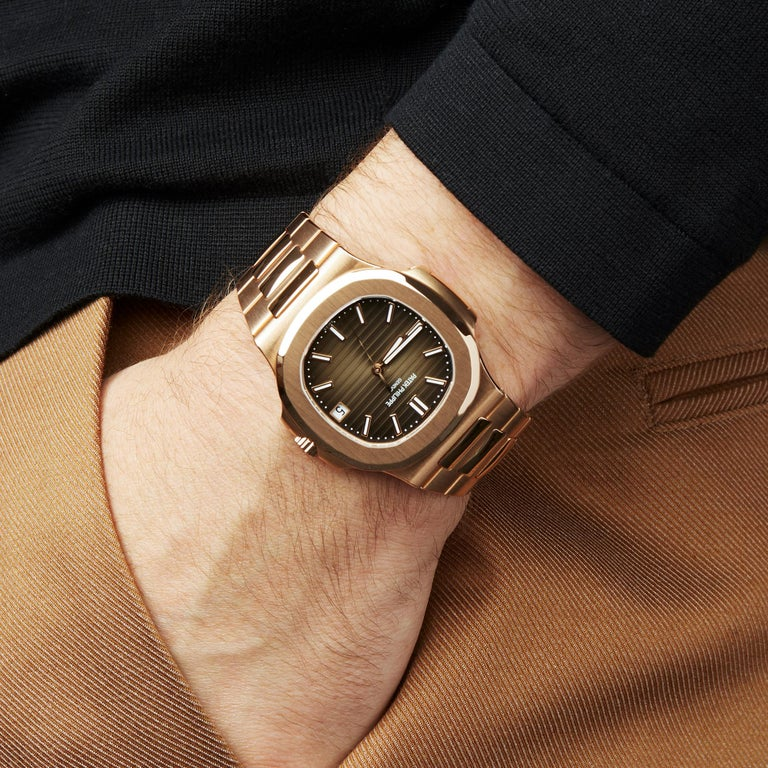 Patek Philippe Nautilus 18 Karat Rose Gold 5711R For Sale 4