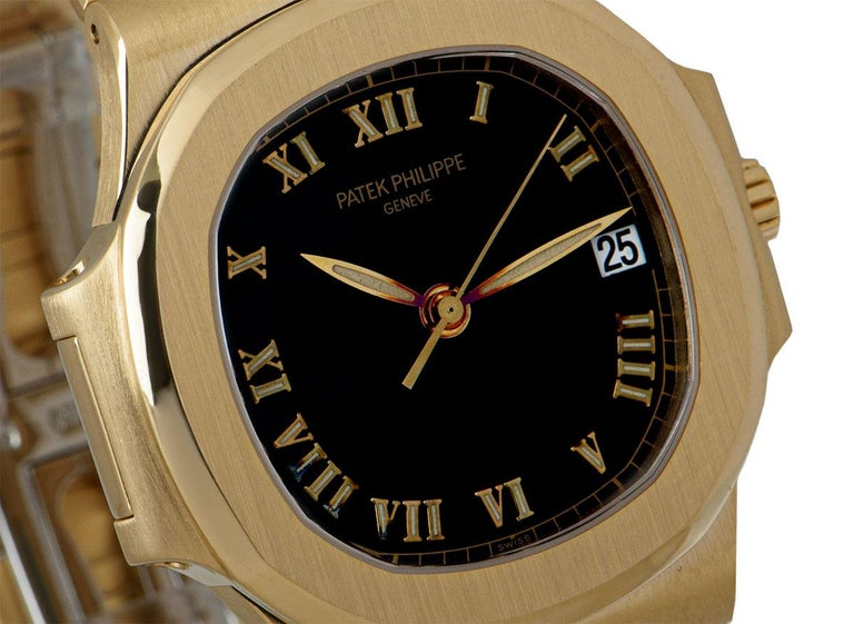 Patek Philippe Nautilus Gents 18 Karat Gold Semi-Glossy Black Dial 3800/1J In Excellent Condition For Sale In London, GB