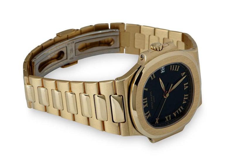 Patek Philippe Nautilus Gents 18 Karat Gold Semi-Glossy Black Dial 3800/1J For Sale 1