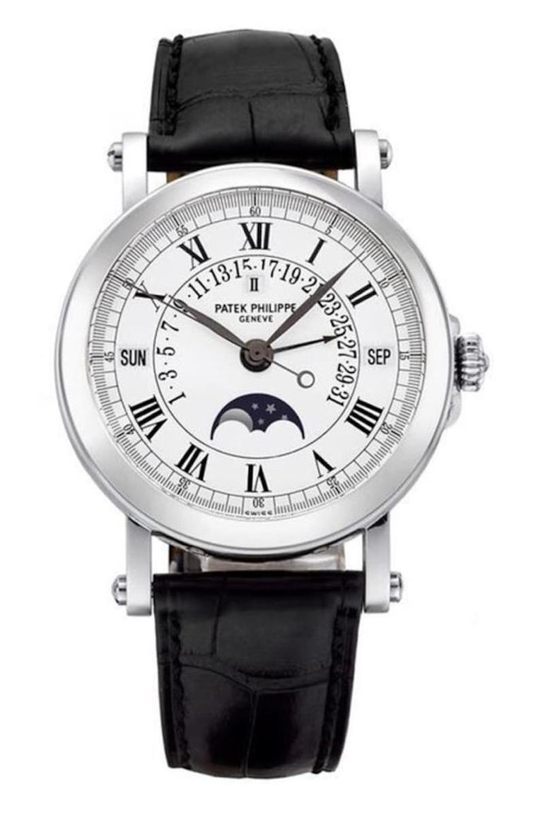In 1998 Patek Philippe launched the reference 5059, an automatic perpetual calendar with retrograde date. Reference 5059 followed and replaced the reference 5050, which had launched in 1993 and ceased production in 2006.  While the dial layout of