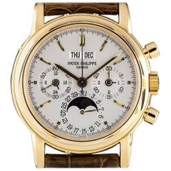 Patek Philippe Yellow Gold Perpetual Calendar Chronograph Manual Wind Wristwatch