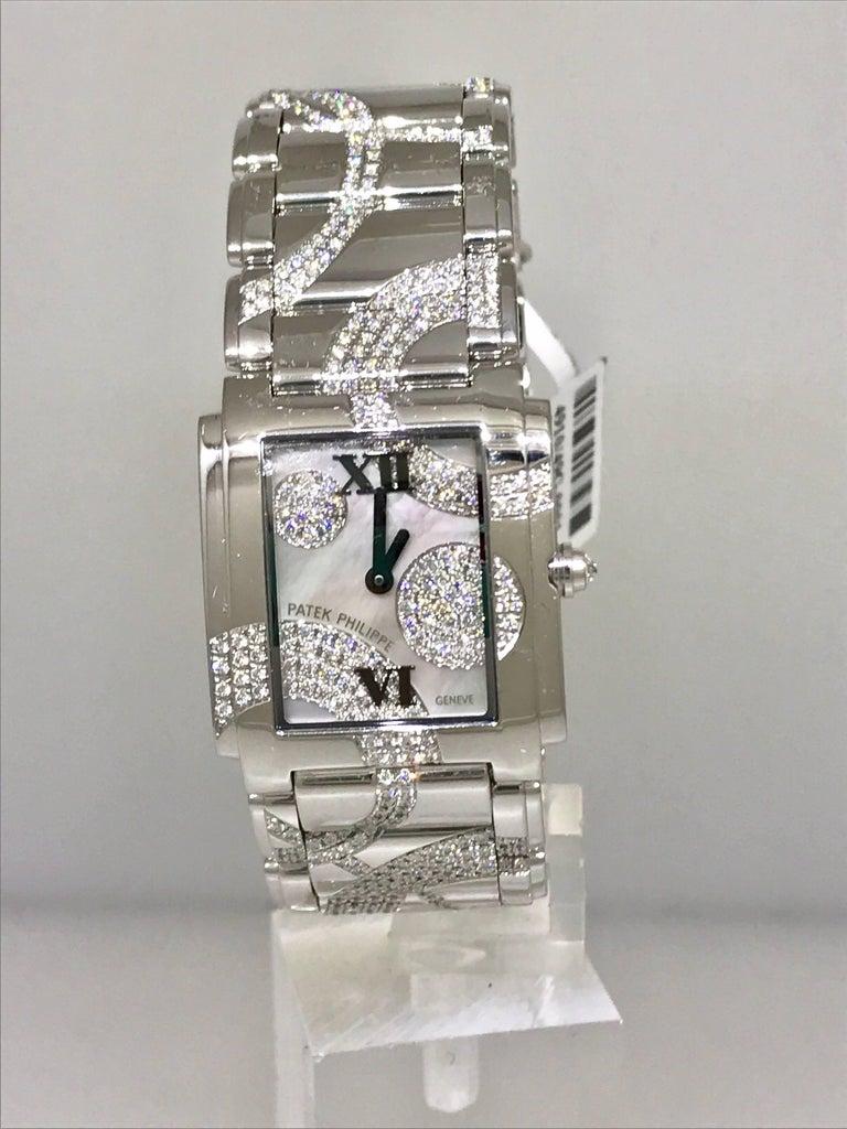 Patek Philippe Ladies White Gold Diamond Twenty-4 Bracelet Wristwatch 4910/49g For Sale 3