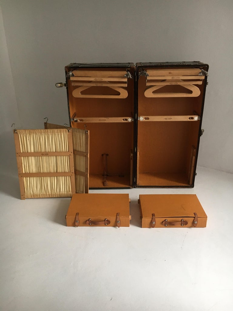 Patinated Antique Louis Vuitton Double Wardrobe Trunk, France, 1920 For Sale 6