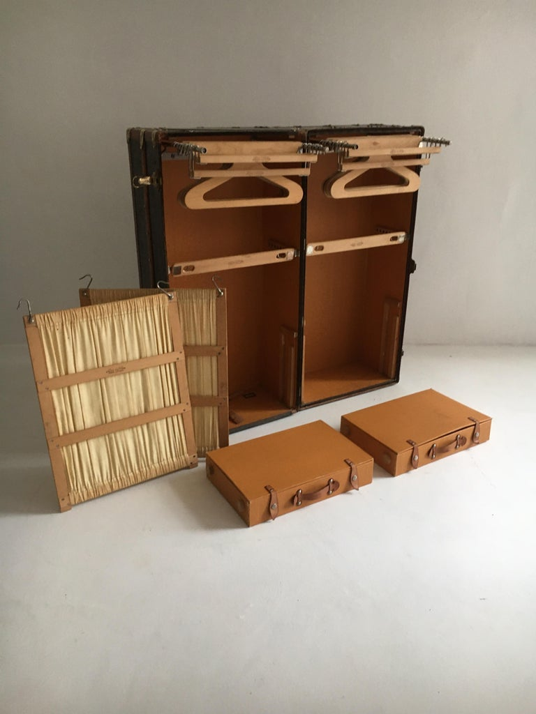 Patinated Antique Louis Vuitton Double Wardrobe Trunk, France, 1920 For Sale 8
