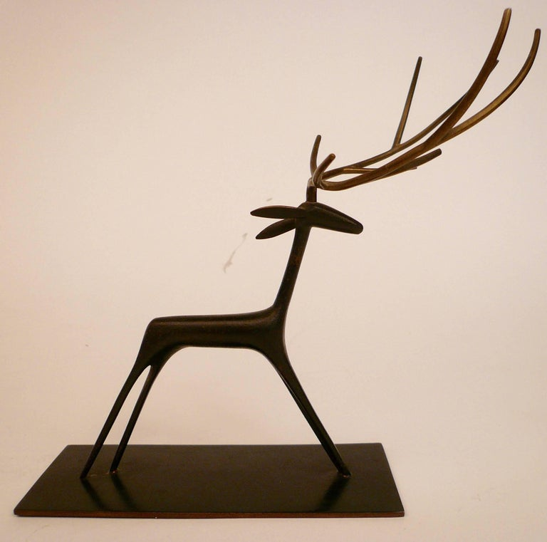 Mid-Century Modern Patinated Bronze Sculpture of a Deer by Hagenauer For Sale