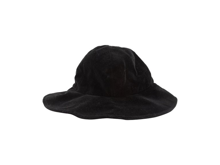 Patricia Underwood Black Too Velvet Bucket Hat In Fair Condition For Sale In New York, NY