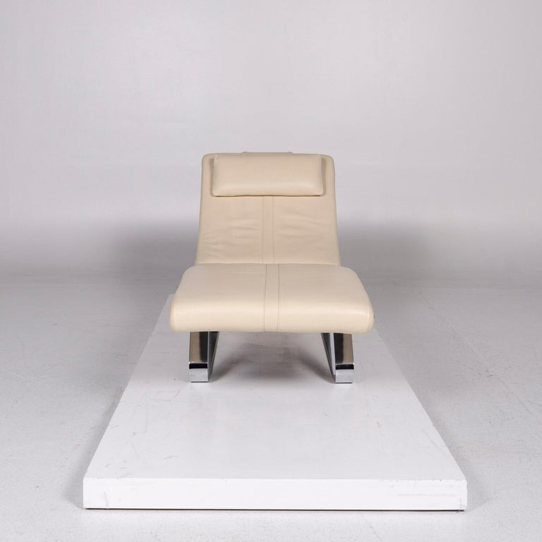 We bring to you a pattern ring leather lounger cream relax lounger.