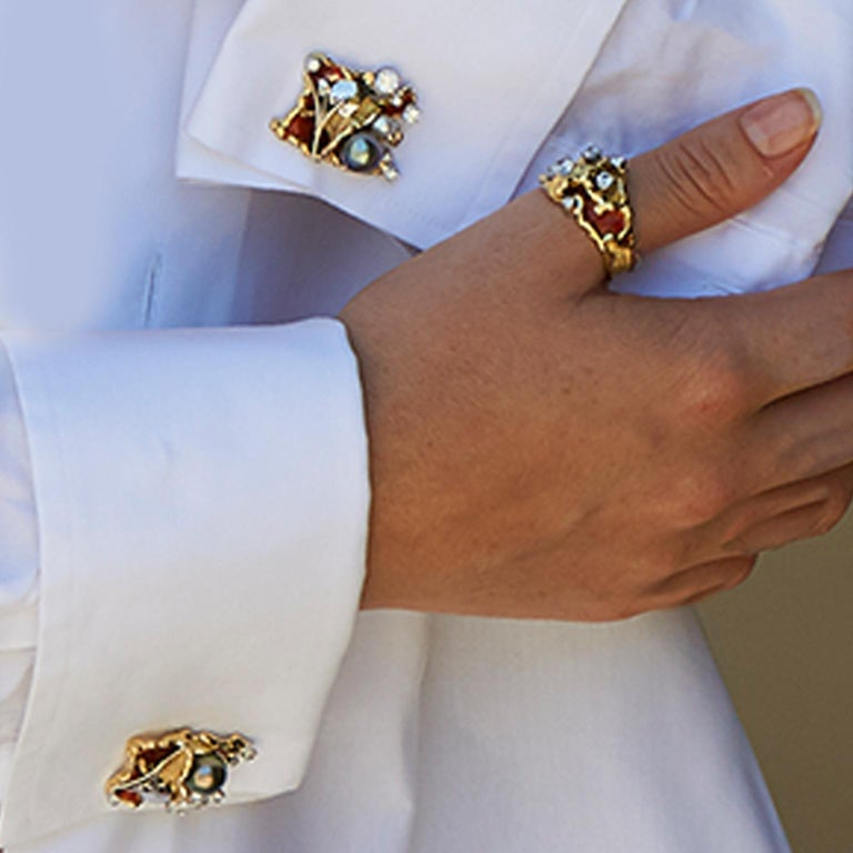 Paul Amey 18k Gold, Platinum, Diamond, Pearl and Enamel Cufflinks In New Condition For Sale In Noosa Heads, AU