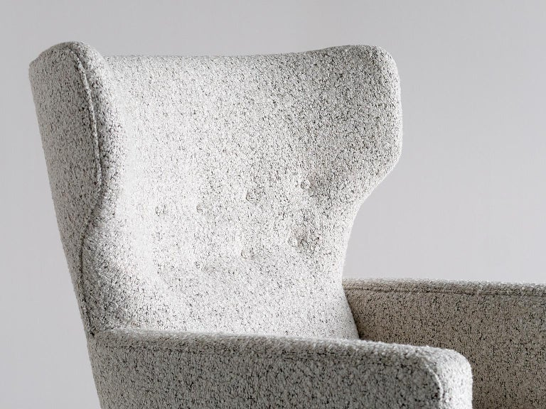 Paul Boman Wingback Chair in Pearl Bouclé Fabric and Beech, Finland, 1940s In Good Condition For Sale In The Hague, NL