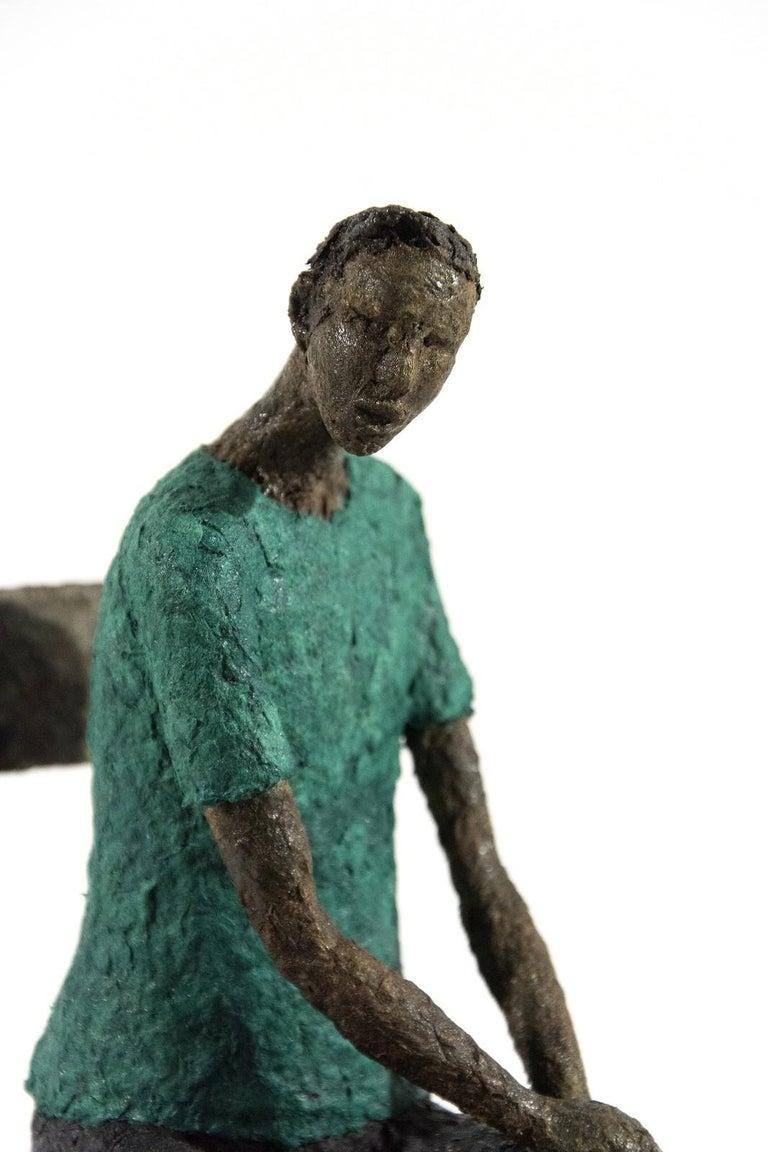 Attente homme bleu vert - expressive, figurative, male, paper mache sculpture - Sculpture by Paul Duval