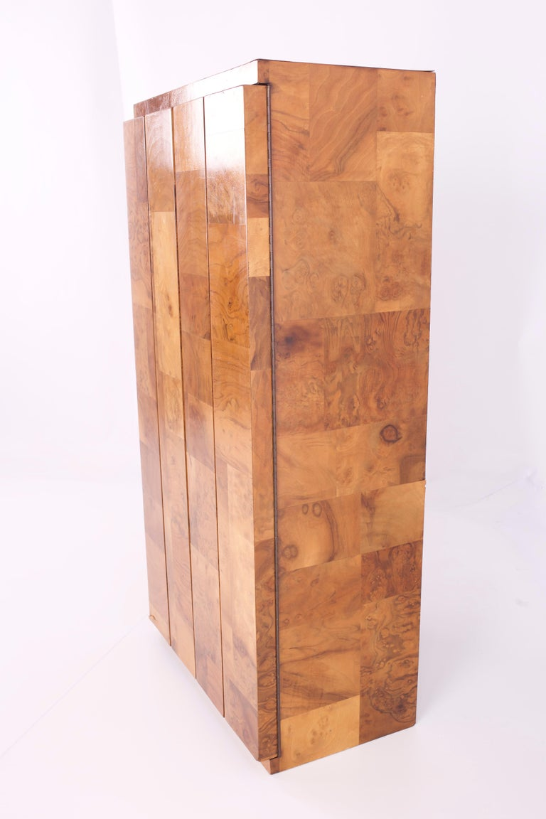 Paul Evans Midcentury Burl Wood Floating Display Cabinet In Excellent Condition For Sale In La Grange, IL