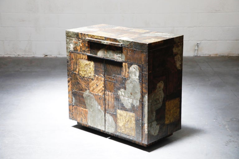 Paul Evans Patchwork Copper Flip-Top Dry Bar Cabinet for Directional, circa 1967 For Sale 12