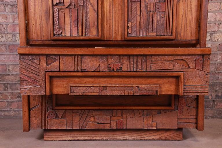 Paul Evans Style Lane Pueblo Brutalist Mid-Century Modern Oak Armoire Dresser For Sale 5