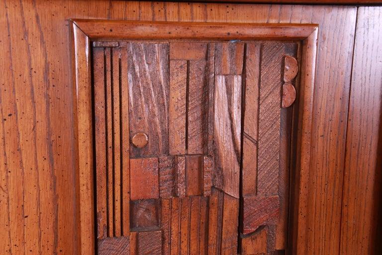 Paul Evans Style Lane Pueblo Brutalist Mid-Century Modern Oak Armoire Dresser For Sale 6