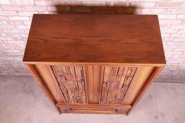 Paul Evans Style Lane Pueblo Brutalist Mid-Century Modern Oak Armoire Dresser For Sale 7