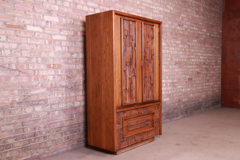 American Paul Evans Style Lane Pueblo Brutalist Mid-Century Modern Oak Armoire Dresser For Sale