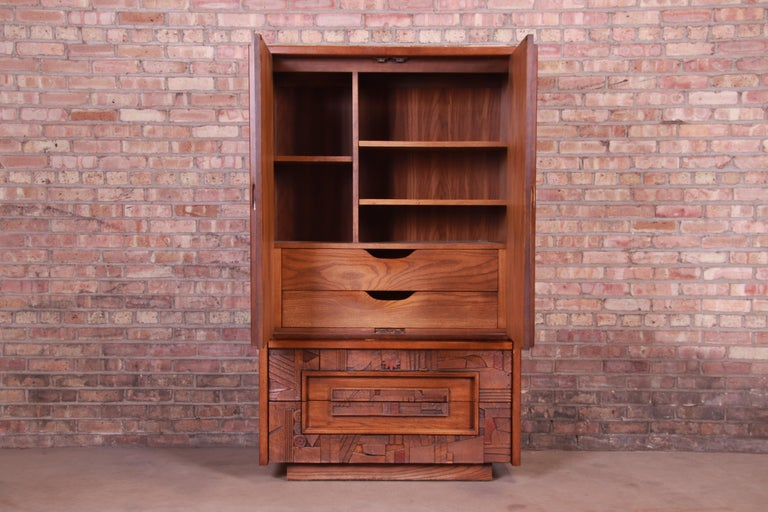 Paul Evans Style Lane Pueblo Brutalist Mid-Century Modern Oak Armoire Dresser For Sale 2
