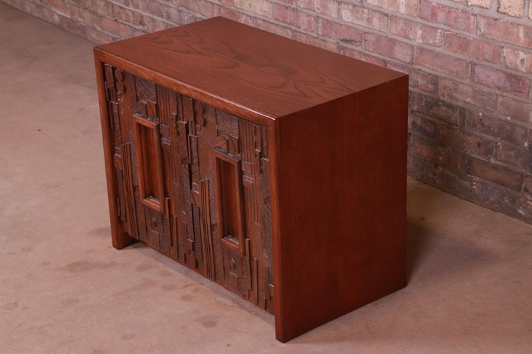 Paul Evans Style Lane Pueblo Brutalist Mid-Century Modern Oak Nightstand In Good Condition For Sale In South Bend, IN