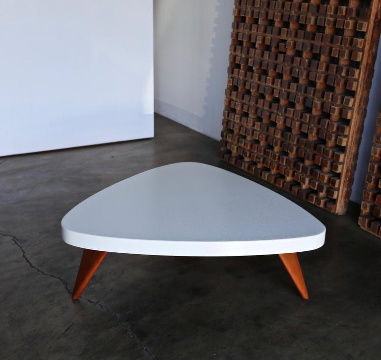 Paul Frankl Cork Top Coffee Table for Johnson Furniture, circa 1955 In Good Condition For Sale In Costa Mesa, CA