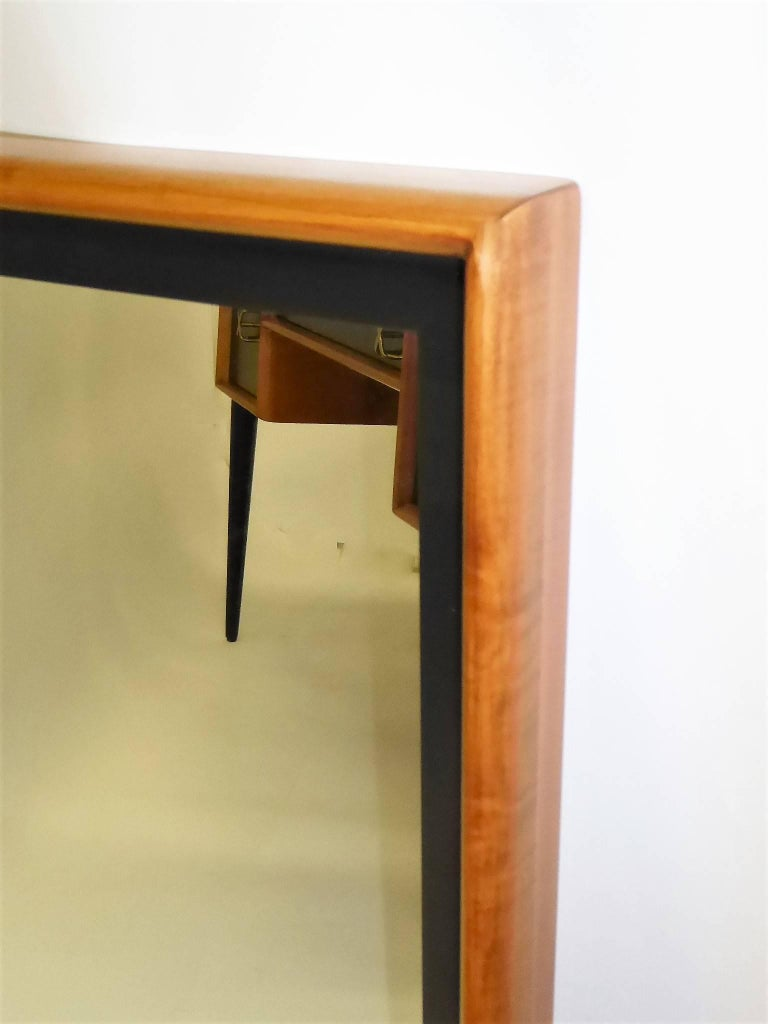 Paul Frankl Modern Mirror for Johnson Furniture, Blond Cherry and Black Lacquer. In Excellent Condition For Sale In Miami, FL