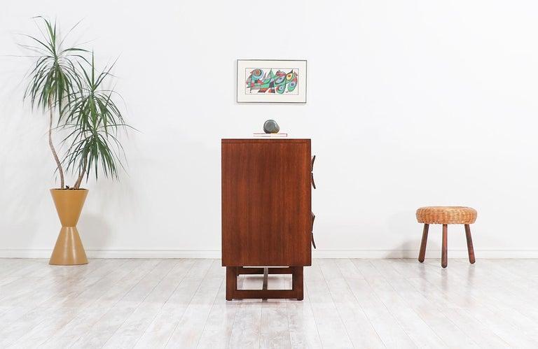 American Paul Laszlo 8-Drawer Dresser for Brown Saltman For Sale