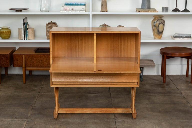 Paul Laszlo Liquor Cabinet for Brown Saltman In Excellent Condition For Sale In Los Angeles, CA