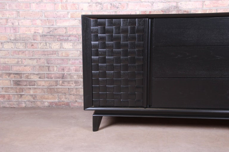 Paul Laszlo for Brown Saltman Ebonized Sideboard Credenza, Newly Refinished In Good Condition For Sale In South Bend, IN