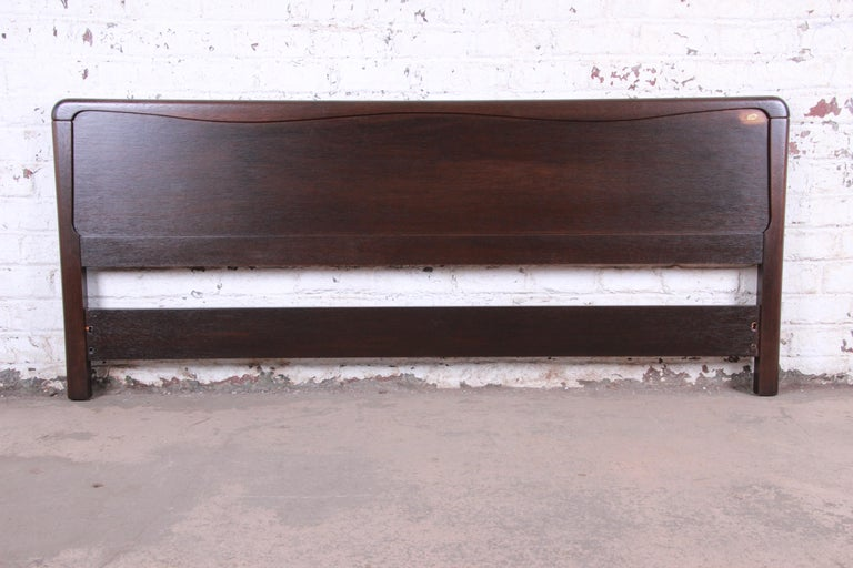 Paul Laszlo for Brown Saltman Mahogany King Size Headboard, Newly Refinished For Sale 2