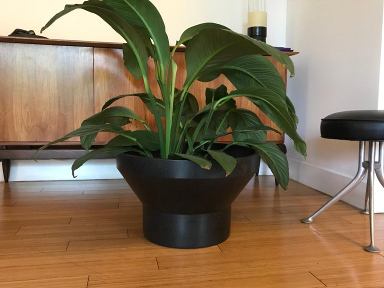 Architectural Pottery Planter, 1960s In Good Condition For Sale In Los Angeles, CA