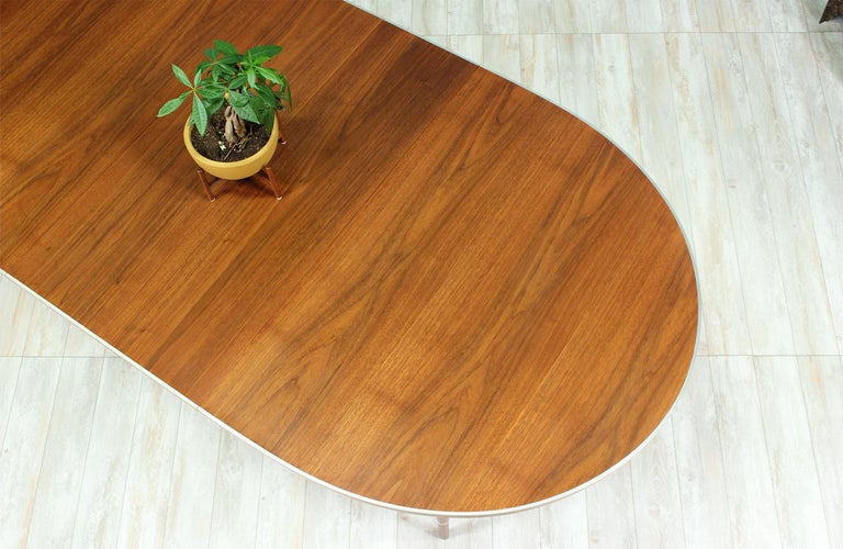 "Paul McCobb ""Connoisseur"" Dining Table for H. Sacks & Sons For Sale 3"