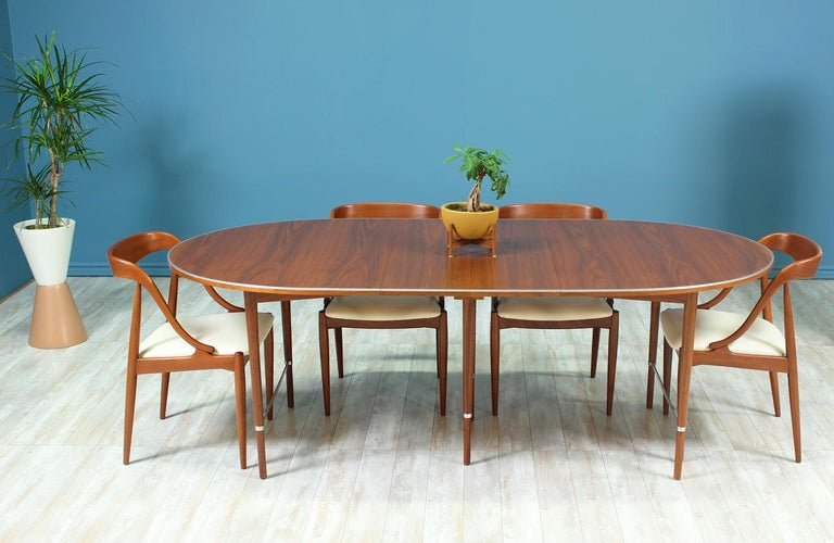 "Mid-Century Modern Paul McCobb ""Connoisseur"" Dining Table for H. Sacks & Sons For Sale"