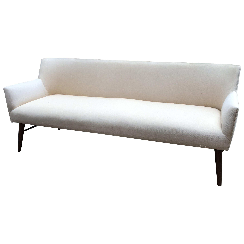 Superbe Paul McCobb Directional Tub Sofa