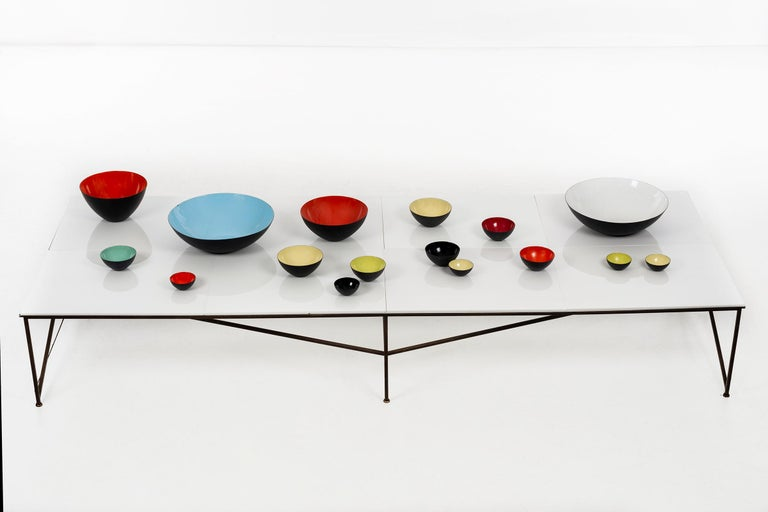 Paul McCobb for Irwin collection display table, model C8707  Comprised of eight equal rectangular 1/4
