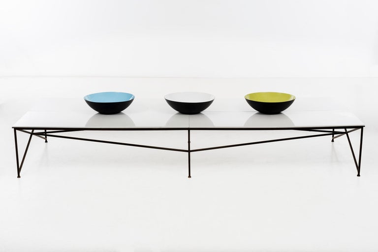 Mid-Century Modern Paul McCobb Display or Cocktail Table For Sale