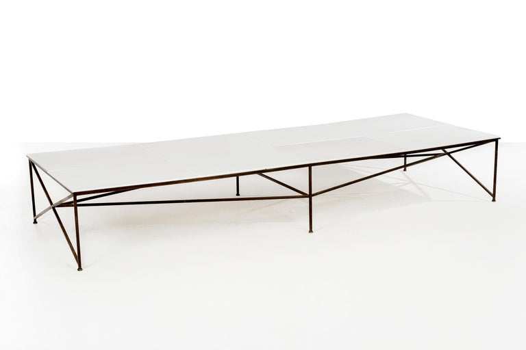 American Paul McCobb Display or Cocktail Table For Sale