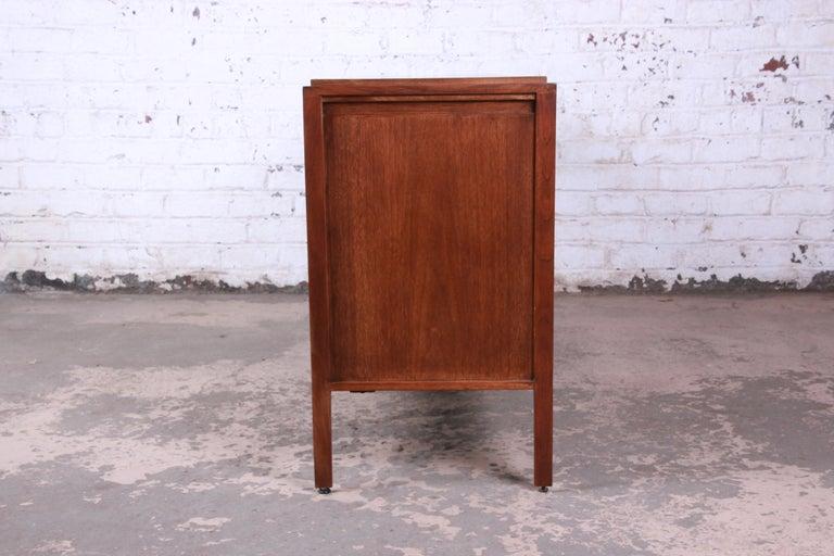 Paul McCobb for Widdicomb Grand Rapids Collection Twelve-Drawer Walnut Dresser For Sale 7