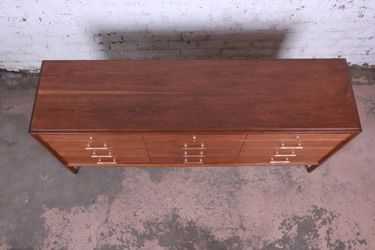 Paul McCobb for Widdicomb Grand Rapids Collection Twelve-Drawer Walnut Dresser For Sale 1