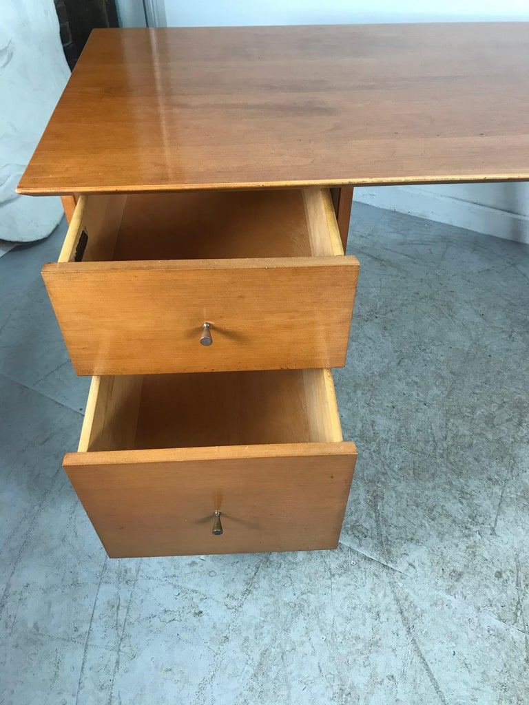 Mid-Century Modern Paul McCobb Maple Planner Group Desk For Sale