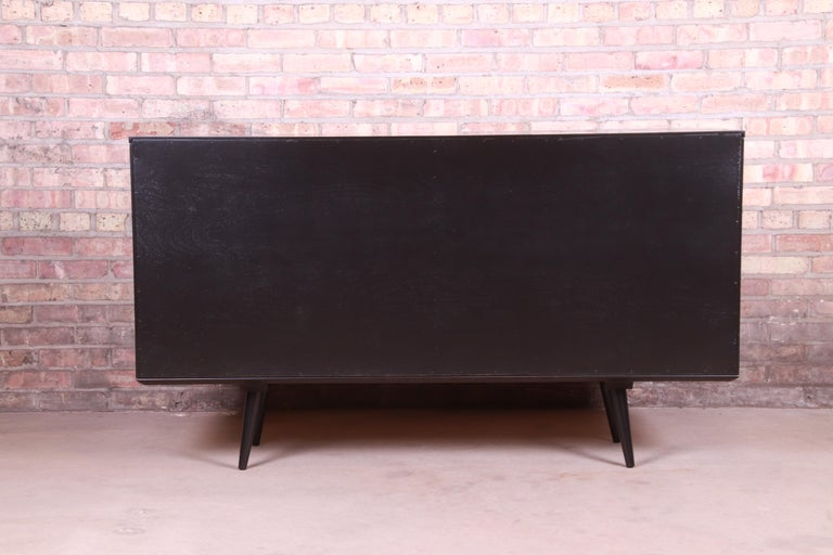 Paul McCobb Planner Group Black Lacquered Sideboard Credenza, Newly Refinished For Sale 9