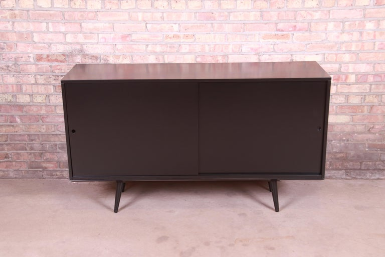 Mid-Century Modern Paul McCobb Planner Group Black Lacquered Sideboard Credenza, Newly Refinished For Sale