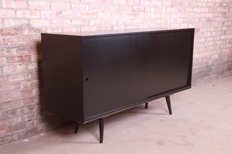 Mid-20th Century Paul McCobb Planner Group Black Lacquered Sideboard Credenza, Newly Refinished For Sale