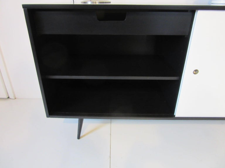 Mid-Century Modern Paul McCobb Planner Group Credenza for Winchendon For Sale