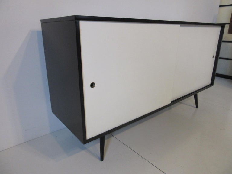 Paul McCobb Planner Group Credenza for Winchendon In Good Condition For Sale In Cincinnati, OH