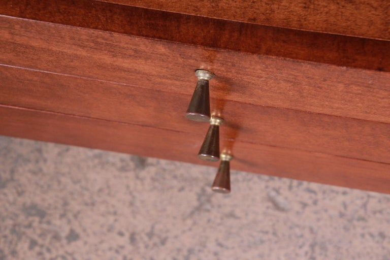 Paul McCobb Planner Group Credenza or Media Cabinet, Newly Refinished For Sale 3